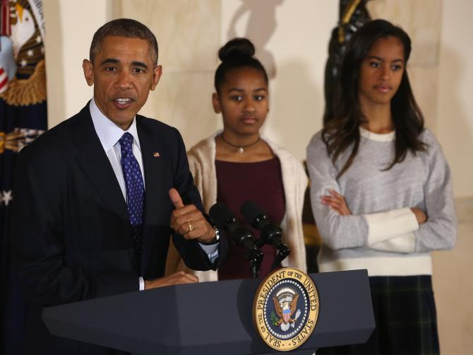 459617356-president-barack-obama-speaks-as-his-daughters-sasha.jpg.CROP.rtstoryvar-large