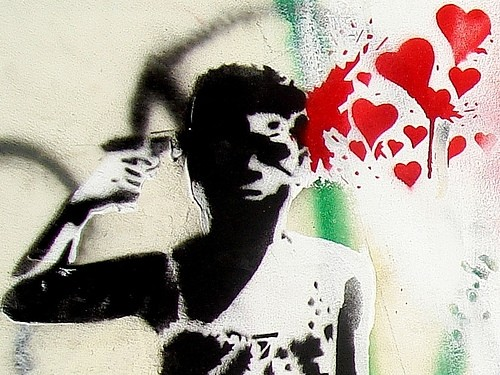 people,lovestruck,suicideispainless,art,brain,graffiti-428de697316710ce515afaf0d773acc2_h