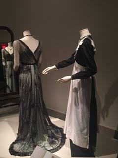 """(R)worn by """"Anna Smith"""", seasons 1-2"""