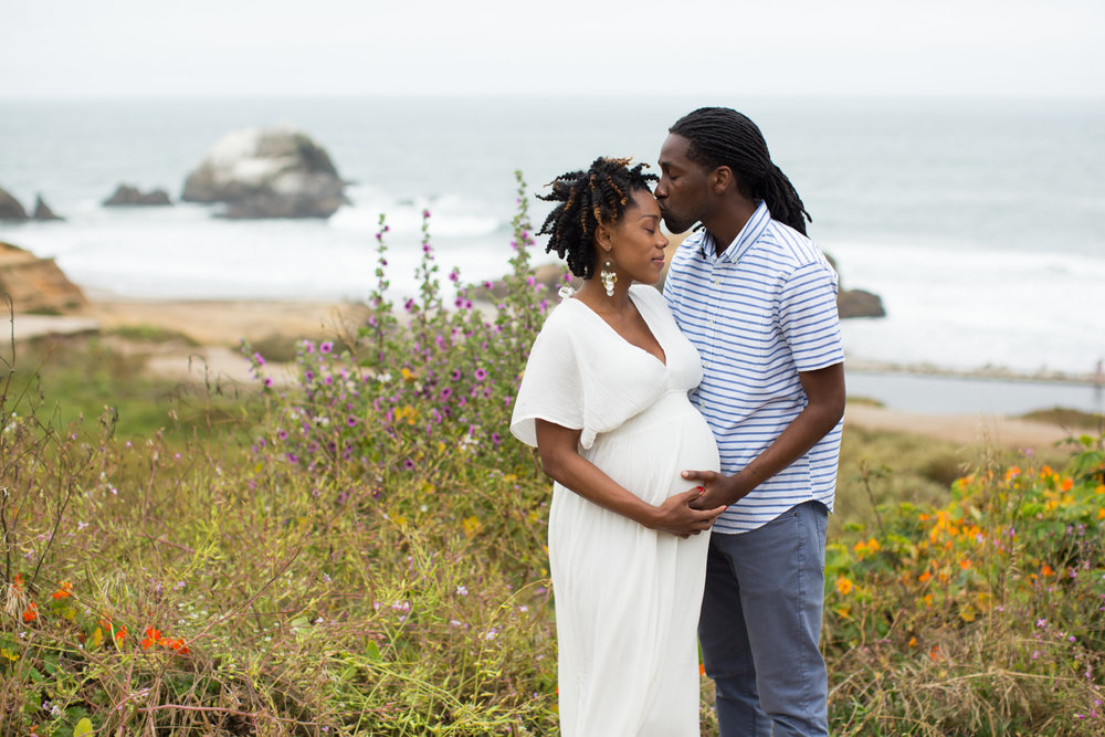 maternity-photographer-sutro-baths-san-francisco-1.jpg