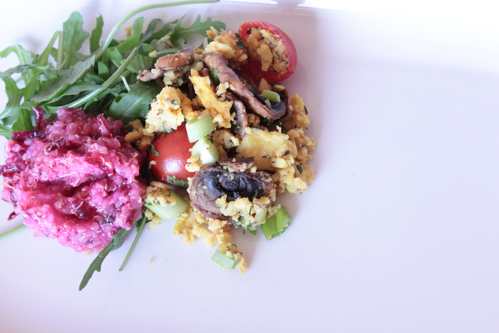 "Quinoa&beet and scrambled chickpea ""tofu"" (soy free)"