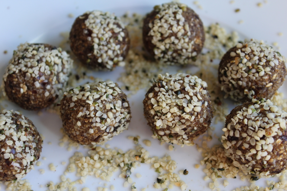 Hemp & Date RAW energy bites
