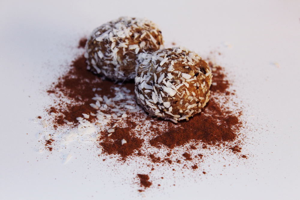 Date & Coconut RAW energy bites