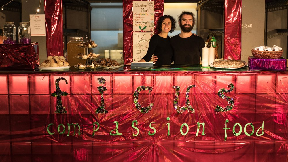 The stand at the Christmas Festival in 2016. Magdalena and VIncent, the super french cook who made the awesome food.