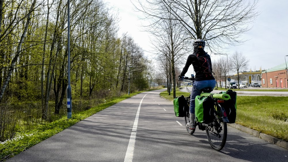 "Following the ""Kattegattleden"", entering Göteborg on the bike highway!"