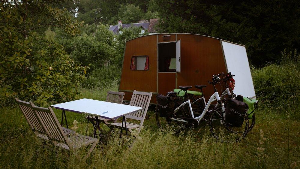 Airbnb wagon!