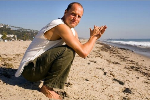 woody-harrelson-yoga.jpg