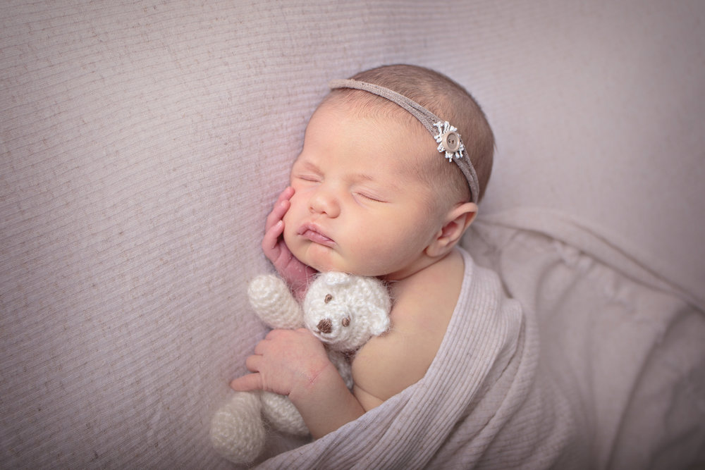 Kirkland Washington Newborn Photograher (8).jpg