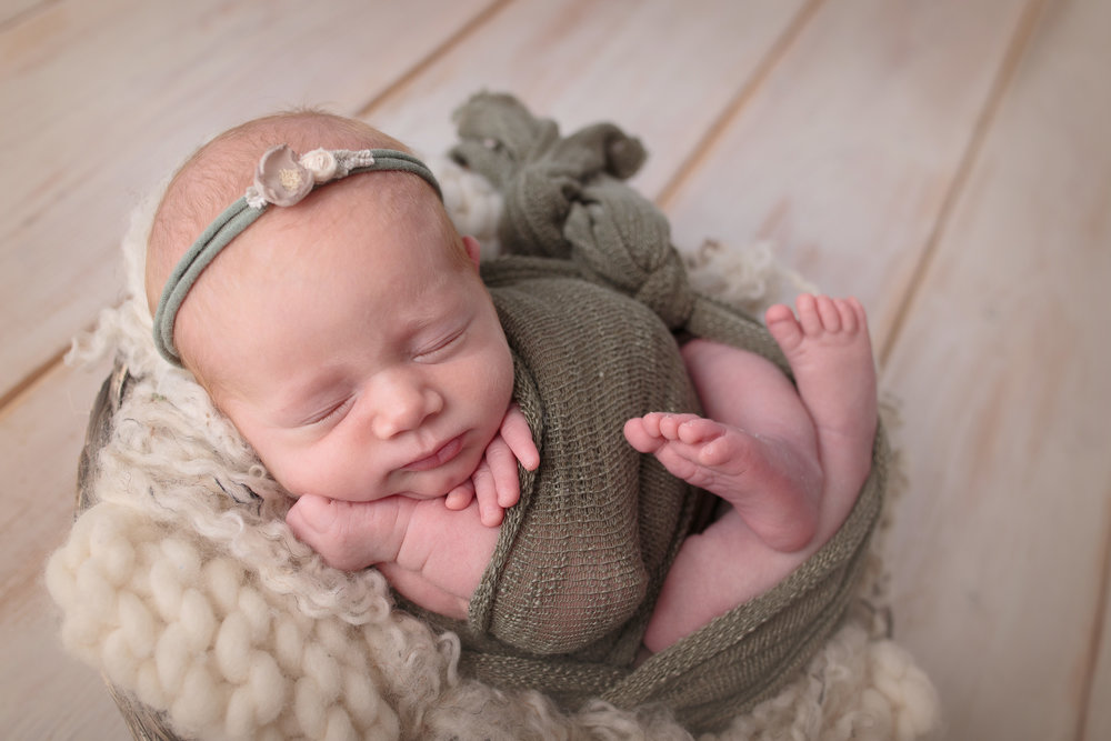 Kirkland Washington Newborn Photograher (9).jpg