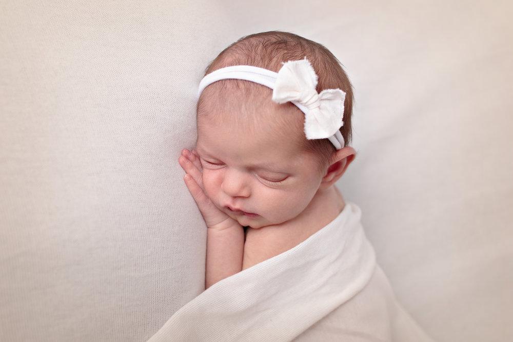 Kirkland Washington Newborn Photograher (14).jpg