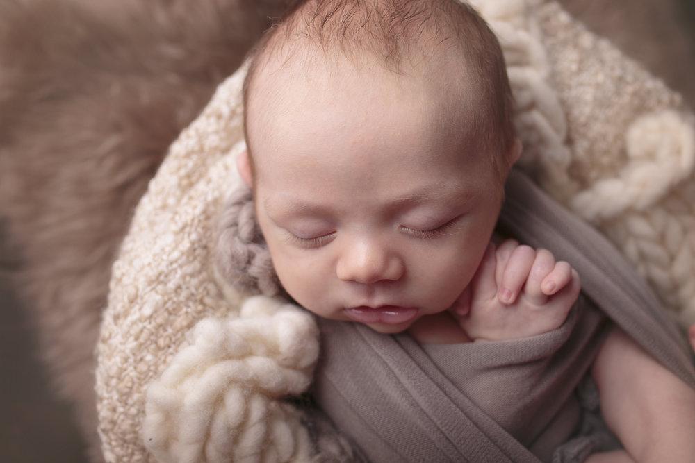 Kirkland Washington Newborn Photograher (13).jpg