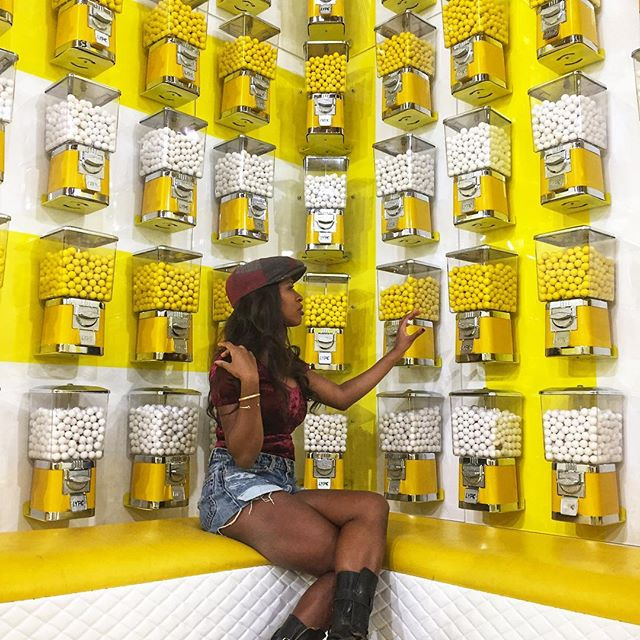 BE.HAPPY.IT.DRIVES.PEOPLE.CRAZY. #myhappyplace #wearyellow #💛💛 #bubblegum #pop #poponemore #machine #brixton #velvetdress #nykeprince #artsdistrict #losangeles #beyou #lovewins🌈
