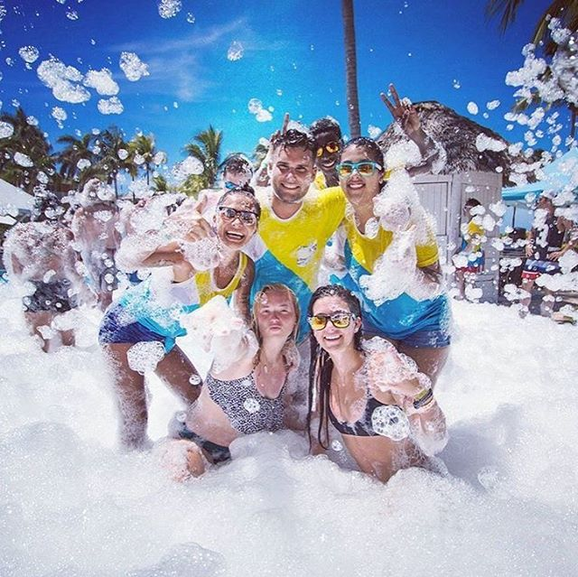 Good Foamy Vibes Only 📷 @alejandrogopar1210 🎉💦