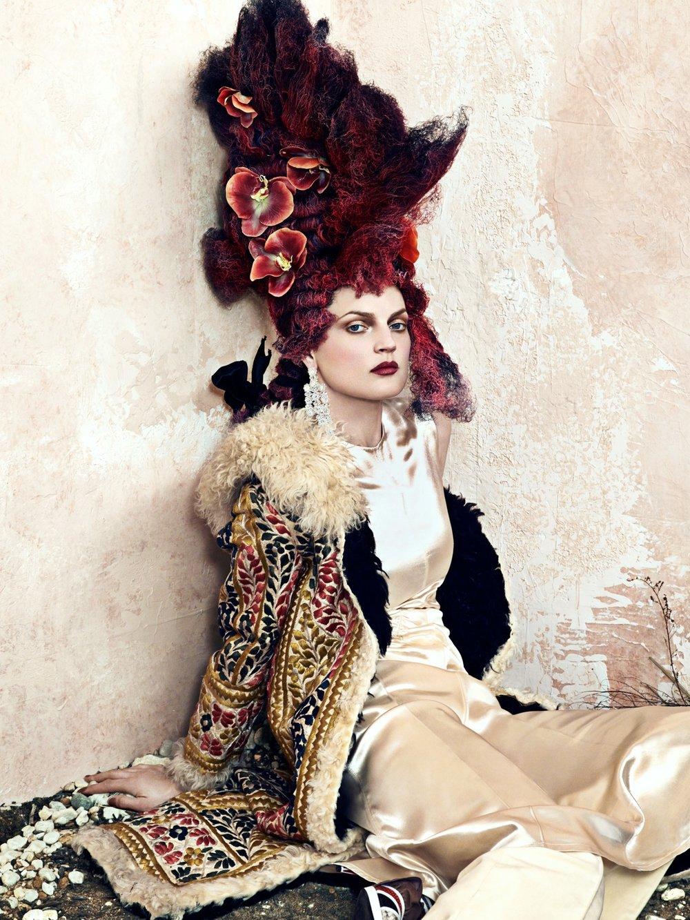 cr-fashion-book-no9-fall-winter-2016-guinevere-van-seenus-by-bjorn-iooss-02.jpg