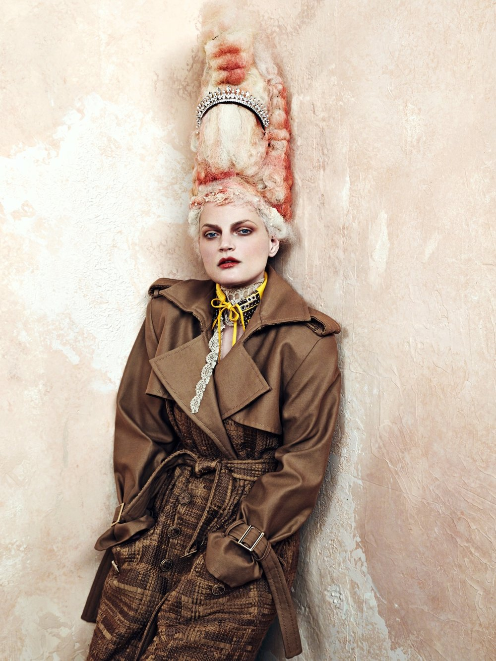 cr-fashion-book-no9-fall-winter-2016-guinevere-van-seenus-by-bjorn-iooss-06.jpg