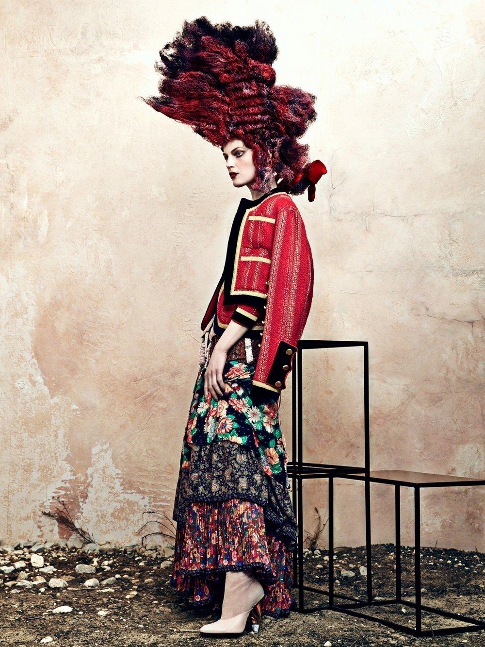 cr-fashion-book-no9-fall-winter-2016-guinevere-van-seenus-by-bjorn-iooss-09.jpg