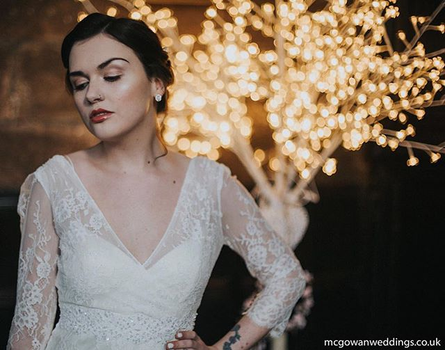 #mua #makeupartist #contour #highlight #redlips  #pretty #bridal #weddingmakeup #bride #bridetobe #bridalmakeup #bridalhair  #flawless  #wedding  #weddingphotography #elegant #shimmer #vintage #tattoo #weregettingmarried  #fiancee #ido #wereengaged #bridebook #weddinginspo #isaidyes #weddingstagram #feyonce #mrandmrs #theknot