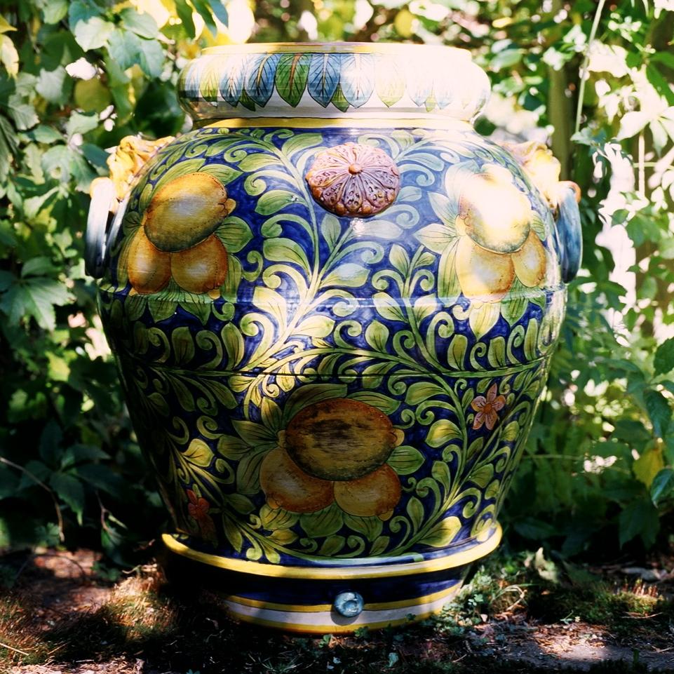 Tre Limoni Garden Urn