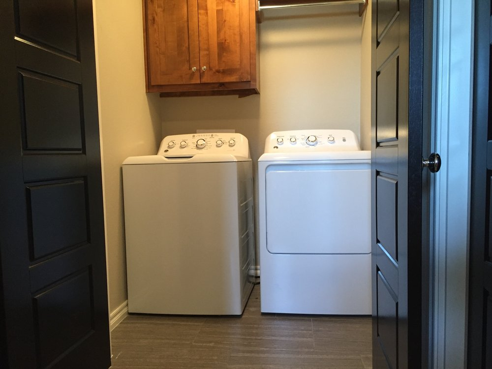 Clubhouse Cottages 3404 Laundry.jpg