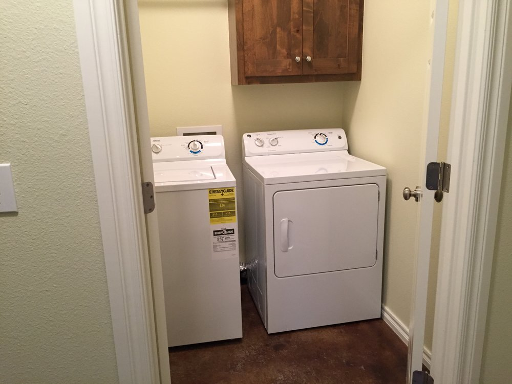 3452 Chelsea Cottage Laundry .jpg