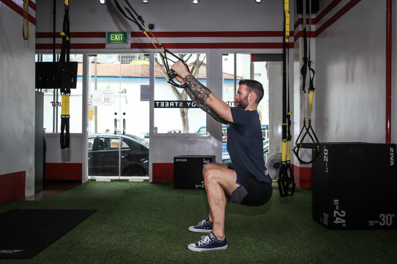 UFIT-TRX-squat