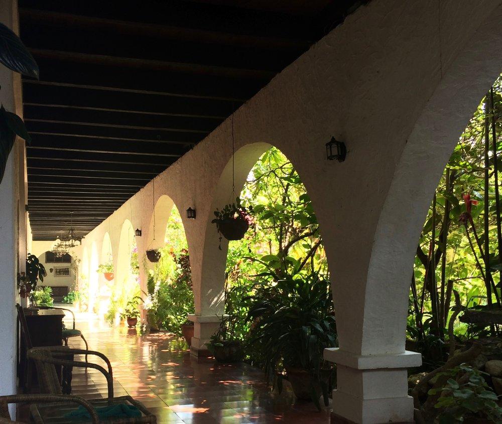 Hotel Madrugada Lower COrridor