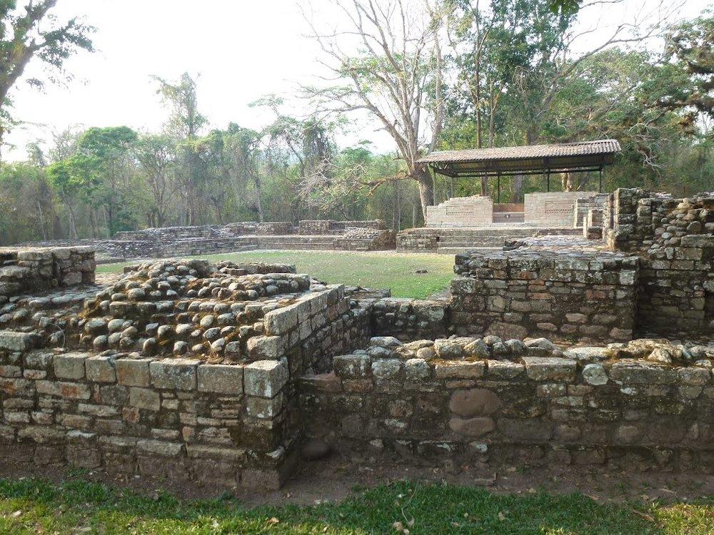 Las Sepulturas Copan Ruinas