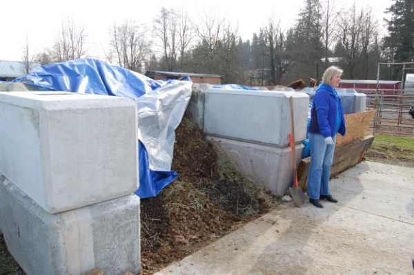 Concrete ecology blocks make durable, long lasting compost bins and can withstand emptying with heavy equipment.