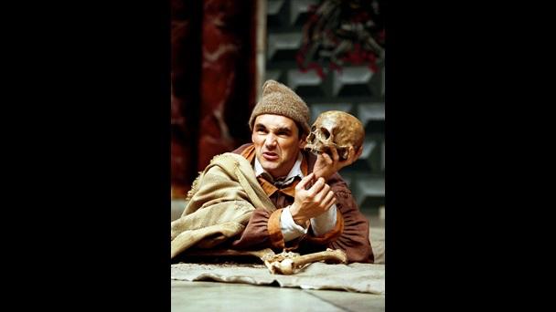 Mark Rylance in  Hamlet , 2000. Source: British Library website.