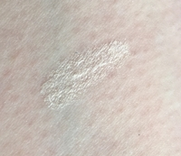 Swatch of Algenist REVEAL Concentrated Luminizing Drops