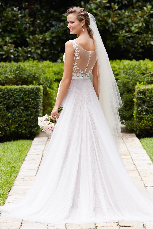 6pm wedding dress