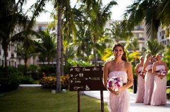 bridesmaidmob.jpg