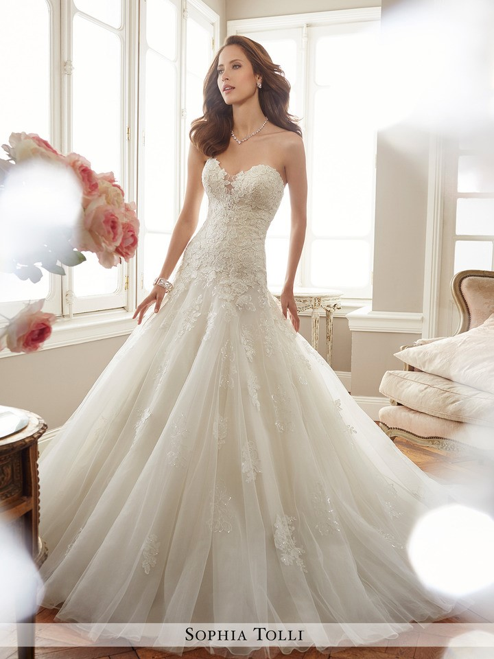 style Y11715 Deon