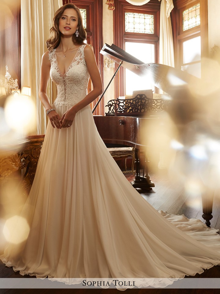 style Y11717 Yvette