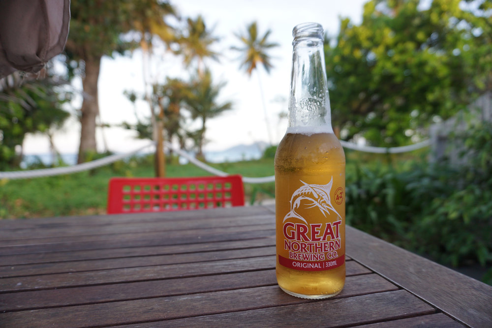 Cold beer, warm weather, and an ocean view: all you need for a perfect meal!