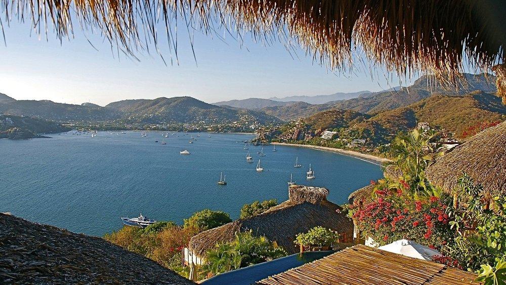 Zihuatanejo Bay.jpg