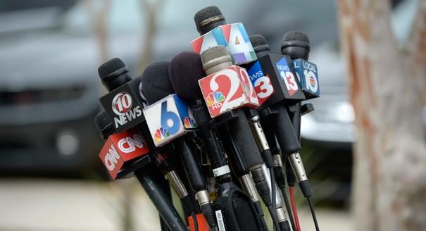 news microphones.jpg