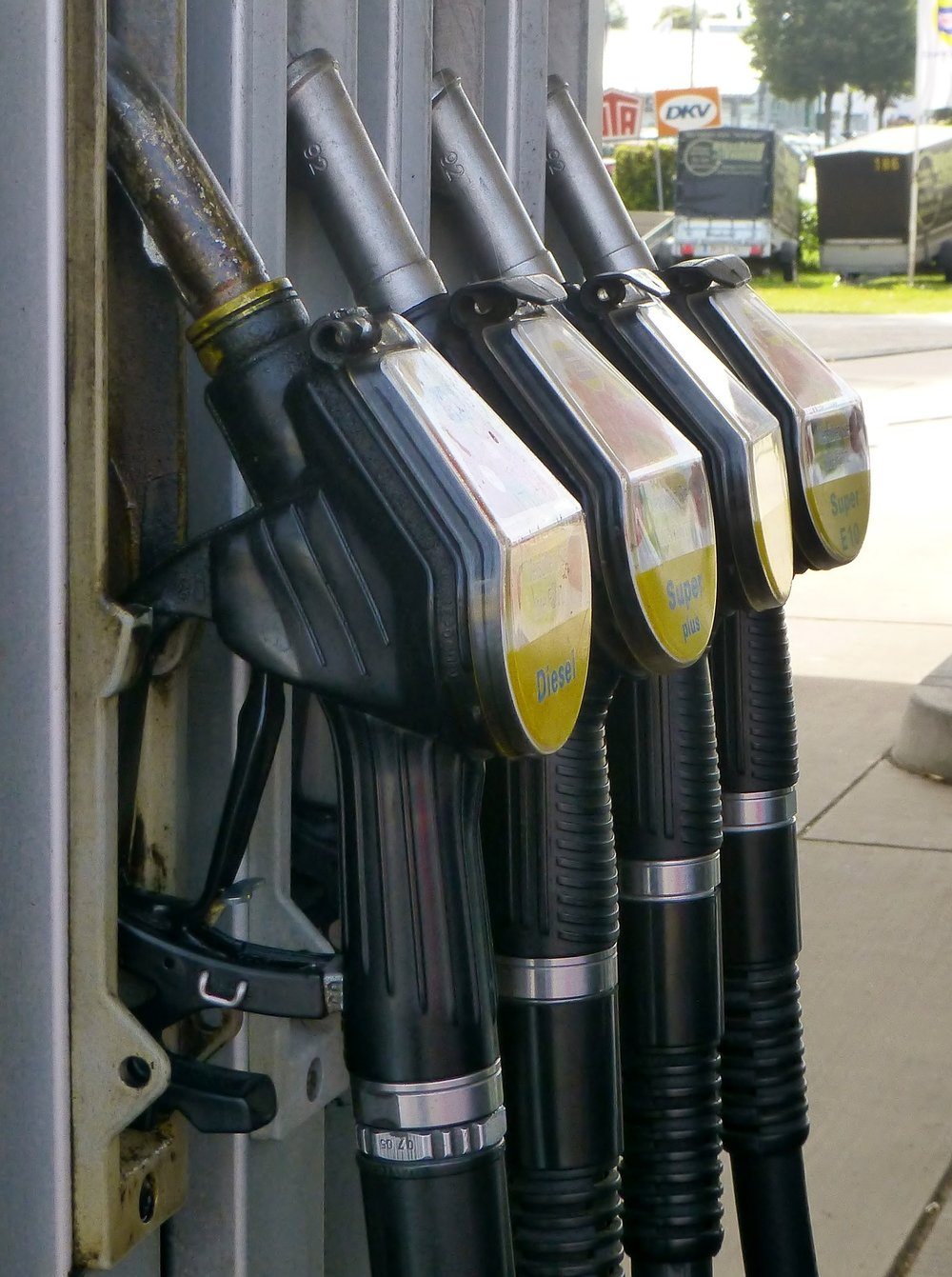 gas-pump-883076_1920.jpg