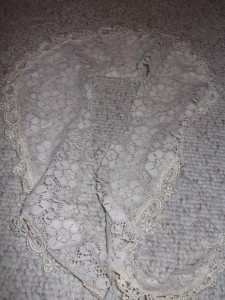 Lacy collar!!