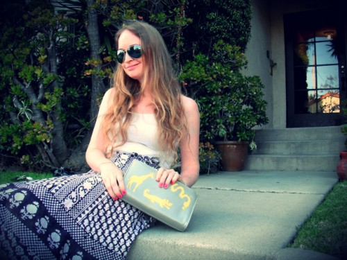New Dress a Day - DIY - Vintage Clutch - New Bag on Stoop - 155