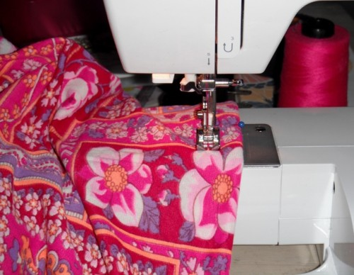 New Dress A Day - DIY - Vintage Dress - Sewing Machine - 114