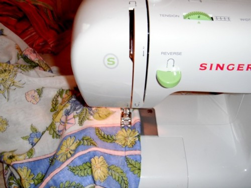 New Dress A Day - DIY - Vintage Dress - Sewing Machine - 117