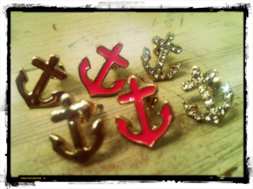 New Dress A Day - DIY - Giveaway - Anchor Earrings