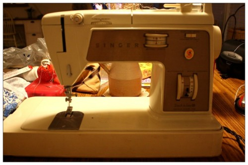 New Dress A Day - DIY - Vintage Sewing Machine - Singer - 88