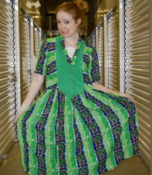 New Dress A Day - DIY - Vintage Dress - Too Big Dress