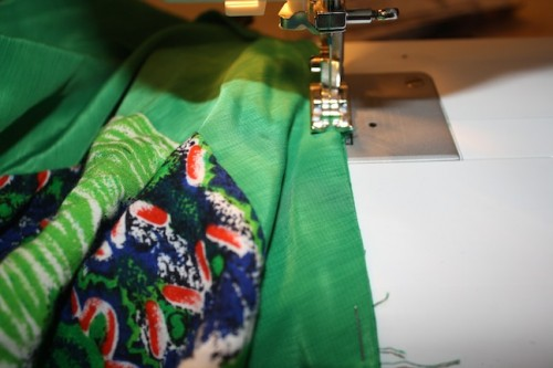 New Dress A Day - DIY - Vintage Dress - Sewing Machine