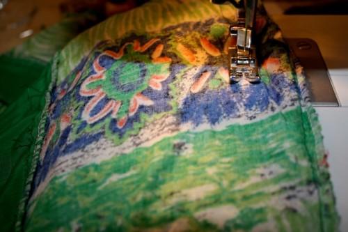 New Dress A Day - DIY - Vintage Dress - Tighten Up!