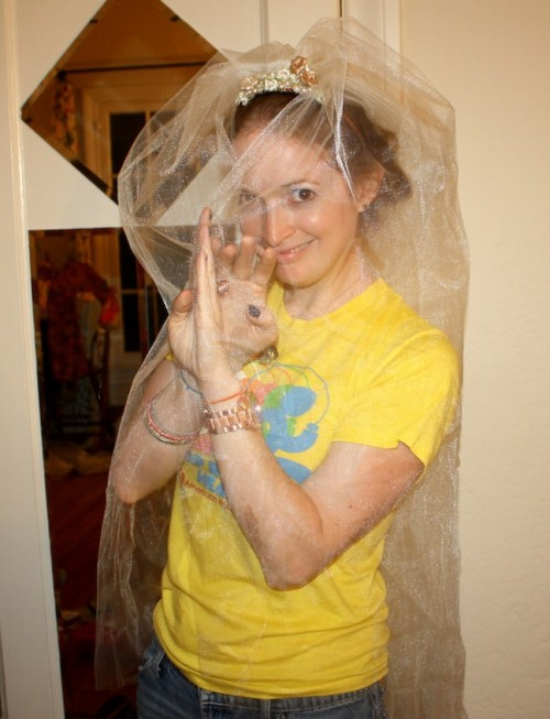 New Dress A Day - DIY - Wedding Veil - Where's Marisa?