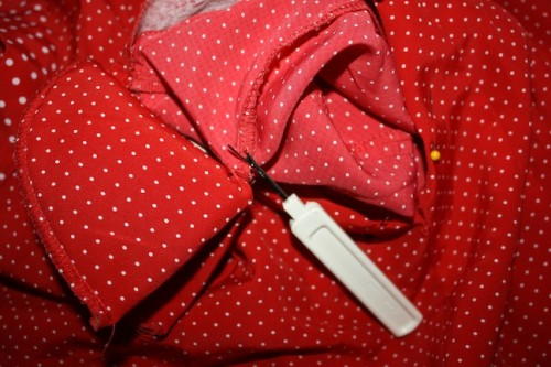New Dress A Day - DIY - Vintage Polka Dots - Later Pads!!