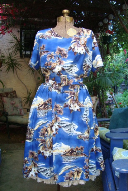 New Dress A Day - DIY - Vintage Muumuu